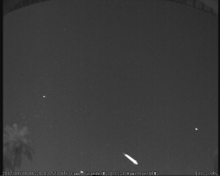 Meteoro registrado pela estação CCS1 da Casa da Ciência – UFMS